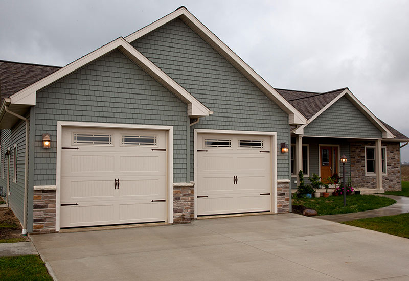 Garage door styles carriage house garage doors for Garage door styles